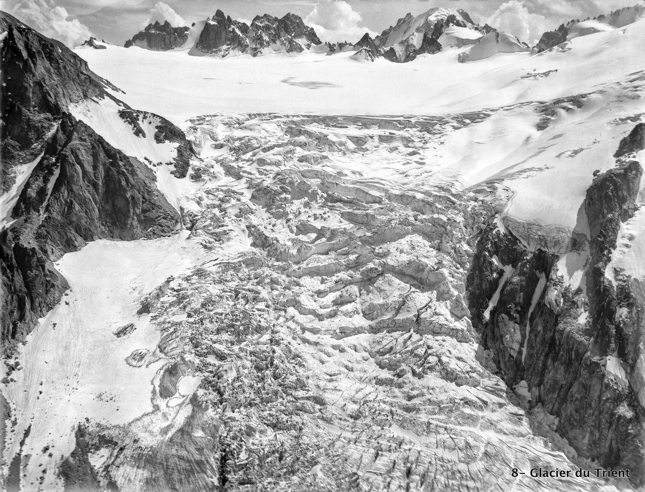 CH-NB_-_Glacier_du_Trient_-_Eduard_Spelterini_-_EAD-WEHR-32066-B.tif