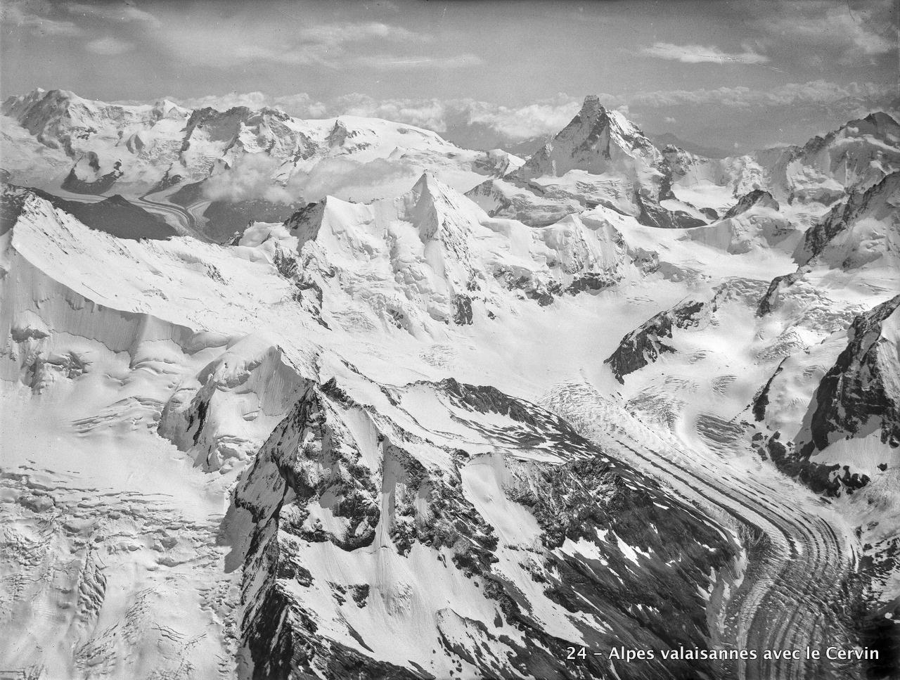 CH-NB_-_Walliser_Alpen_mit_Matterhorn_-_Eduard_Spelterini_-_EAD-WEHR-32054-B.tif