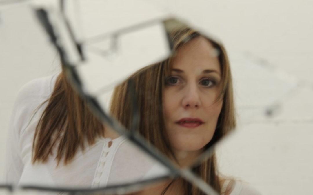 Christine – Mary Zoo – Zufferey : « Ouvrir une porte sur une autre dimension parallèle »